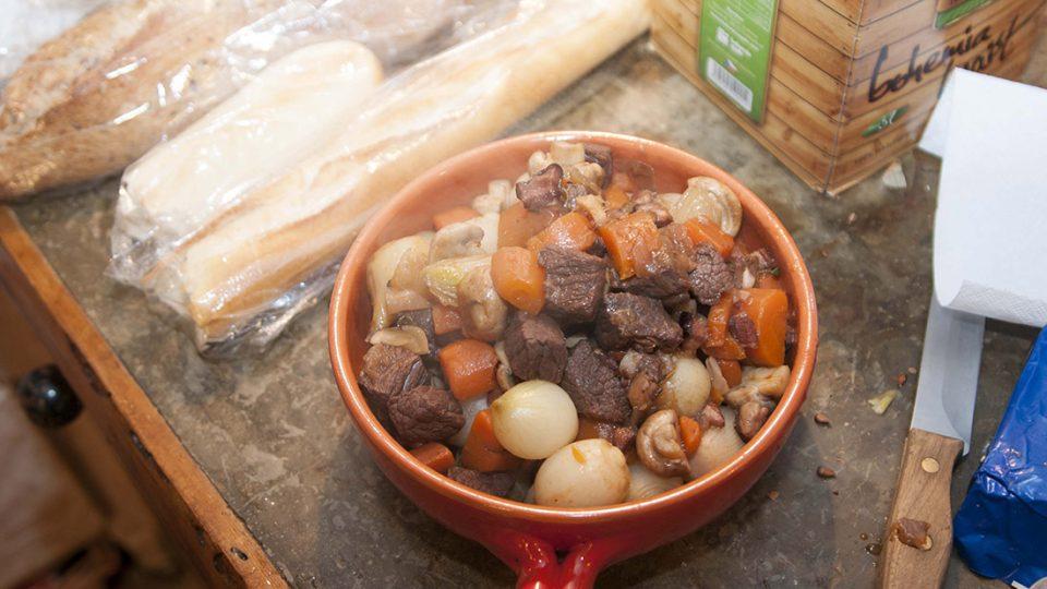 Beef bourguignon - téměř hotovo