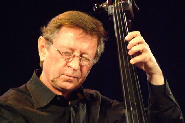 Ve věku 77 let zemřel ve čtvrtek hudebník a písecký rodák George Mraz,  který přes 50 let žil v USA   foto: Petr Vidomus,  Český rozhlas