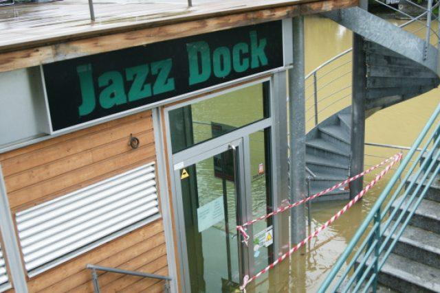 Zatopený pražský klub Jazz Dock, 3. 6. 2013